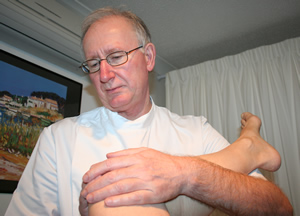 Bill Ferguson Osteopath hip mobilisation
